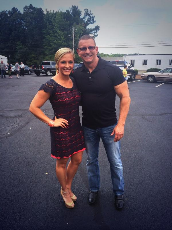 Brittany Decker On Twitter With Chef Robert Irvine From Thefoodnetwork In Wilbraham Today Http T Co Mio4qcm2v5 Includes mma stats, fight record, bio, martial arts history, photos, videos and links for brittany ann decker. with chef robert irvine from