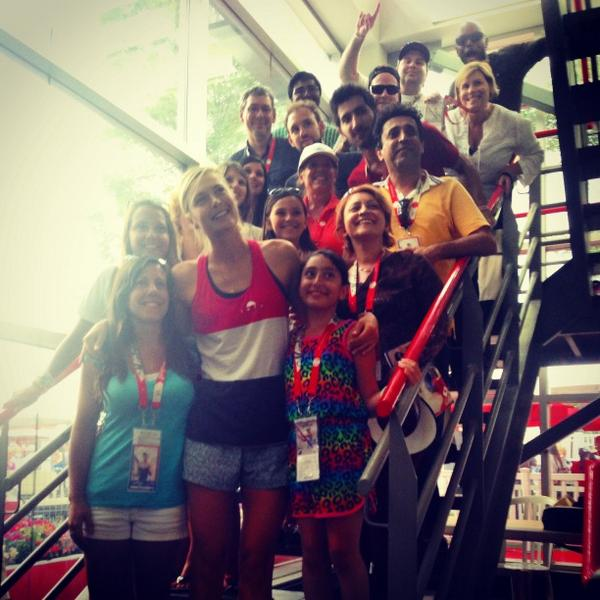 .@MariaSharapova meets members of the #SharaFamily fan club! Dreams have been made, thanks Maria! #CoupeRogers http://t.co/s7t9mz2cz6