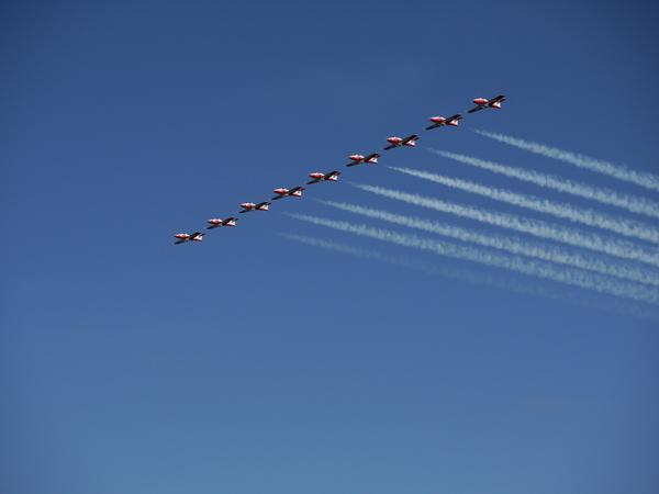 Snowbirds part deux in White Rock tonight @InWhiteRock http://t.co/y6uAnSy6f3