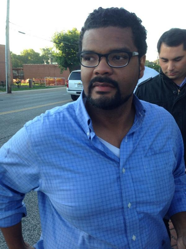 #BREAKING @AntonioFrench  just released from jail http://t.co/JBbkWl9irb