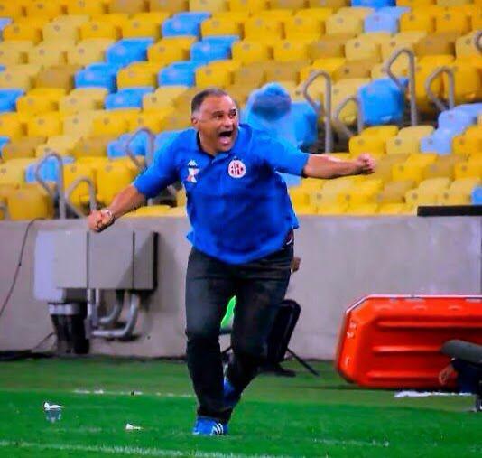 Um bom dia para quem conquistou a classificação para as oitavas de final da Copa do Brasil na raça e em campo! :) http://t.co/uQIqzXDAwx