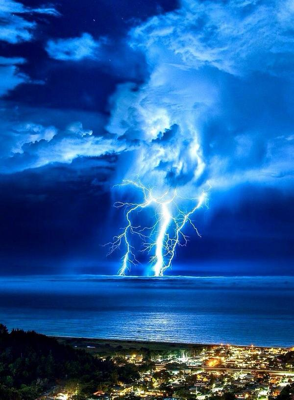 морскими картинки стихия молния сегодня поговорим страхе