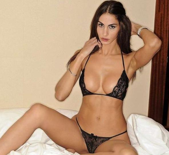 Janina youssefian sexy nackt
