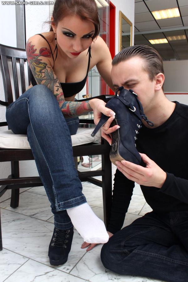 Slave girl worship feet wife bondage 9