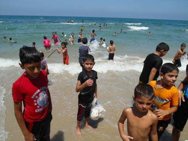With no bombs falling or rockets firing, these Palestinian kids spent the morning at #Gaza City's beach. #CBC http://t.co/GShV50YJiW