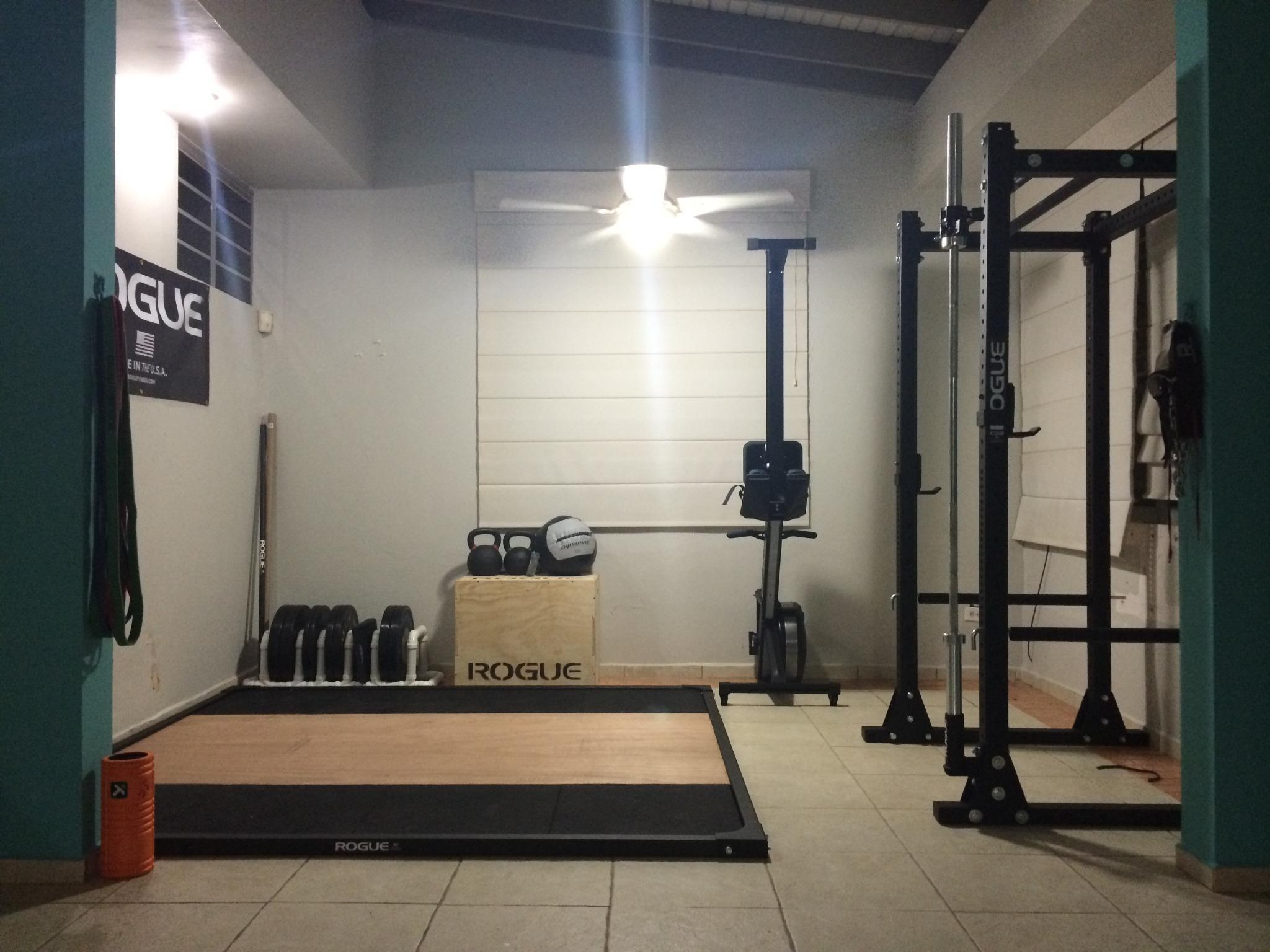 "rogue garage gym ideas - Rogue Fitness on Twitter ""Home gym setup up courtesy of"