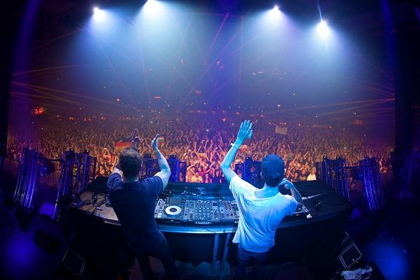 TONIGHT IS THE NIGHT! @cosmicgate at @RepublicAustin! Who's coming with me!? http://t.co/HqRBr0XrRb #edm #austin http://t.co/54W73u4B2E