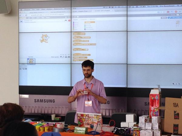 The magic of MakeyMakey with @ericrosenbizzle #ScratchMIT2014 @CoderDojoItalia http://t.co/1DhUvS6R4M