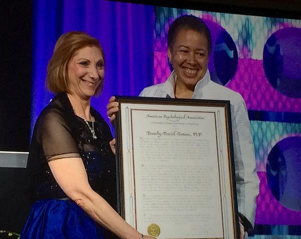 .@NKaslow presents @BDTSpelman w/ @APA's highest honor, the Award for Lifetime Contributions to #Psychology #APA2014 http://t.co/MKLnMJPHQd