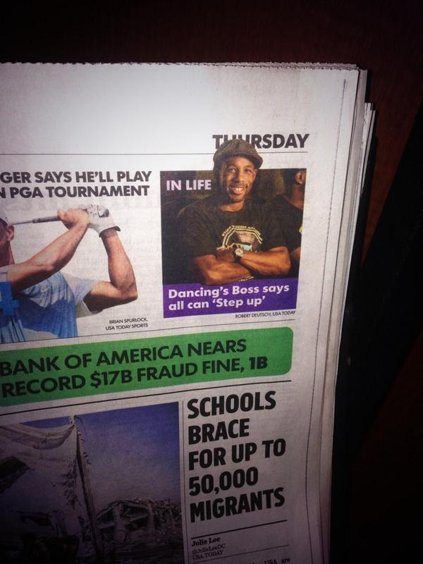 I was walking through the airport and bumped into @official_tWitch on the front page of @USATODAY #soLEGIT #IVREAL http://t.co/83sMpKZCyb
