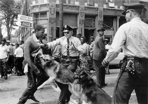 Birmingham police confused when Black children reject free dogs unleashed on them in the summer of 1963. #APHeadlines http://t.co/DwKBkbzz90