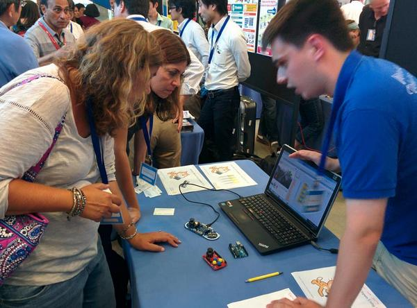 Learned about @arduino and Scratch with some of my favorite #ccow people! @MESTechDE #scratchmit2014 http://t.co/z1bXOXiwRE