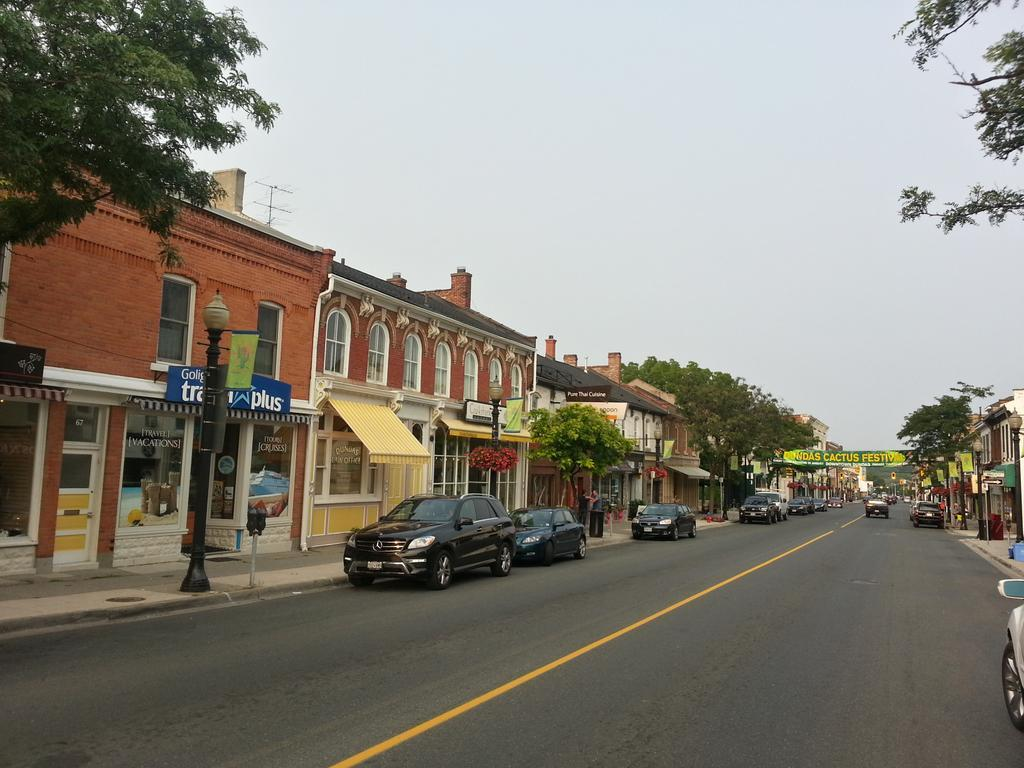 King Street West, Dundas