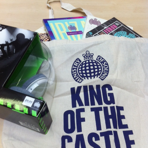 #FridayFreebie time! #WIN at @ministryofsound goody bag. Just RT & follow to enter..... http://t.co/hy6pxVXnN2