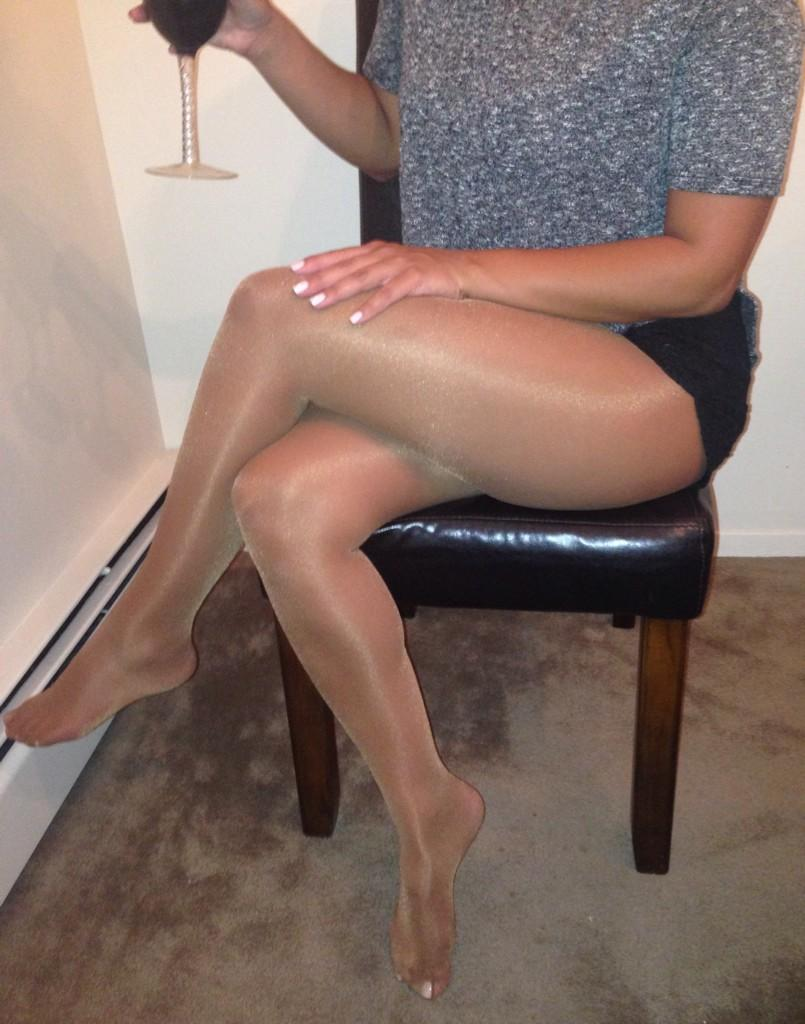 T Alone Pantyhose Sales Have 76