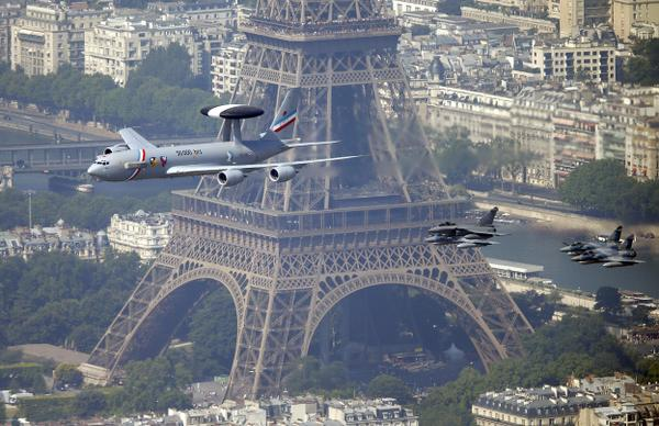 ------* SIEMPRE NOS QUEDARA PARIS *------ - Página 2 BuhgqKsIgAEJj5w