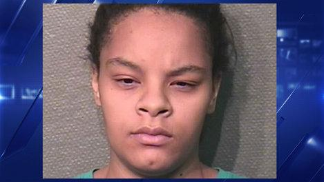 22yr old mom locked 6-year-old out of apartment so she could have sex with her boyfriend. http://t.co/TI2eRgfjfp http://t.co/5DI6rUgPdN