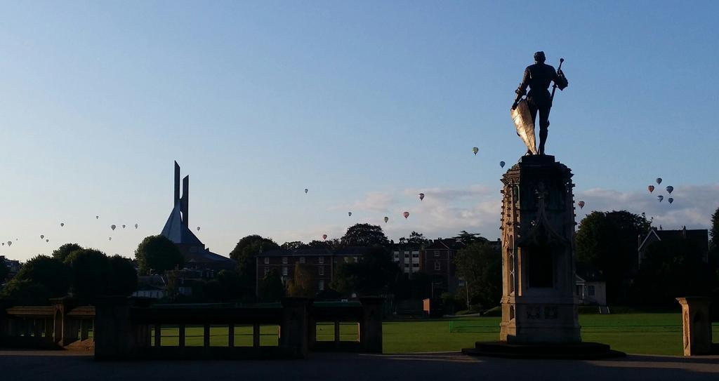 Clifton Bristol on early walk this morning @bristolballoon x http://t.co/xpmecam7NC