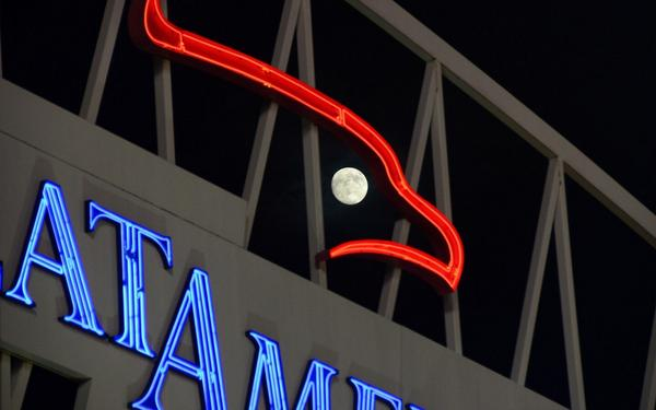 "Tonight's #supermoon creates the ""eye of the eagle"" on the Great American Ball Park scoreboard. http://t.co/yoodzW2JEY"