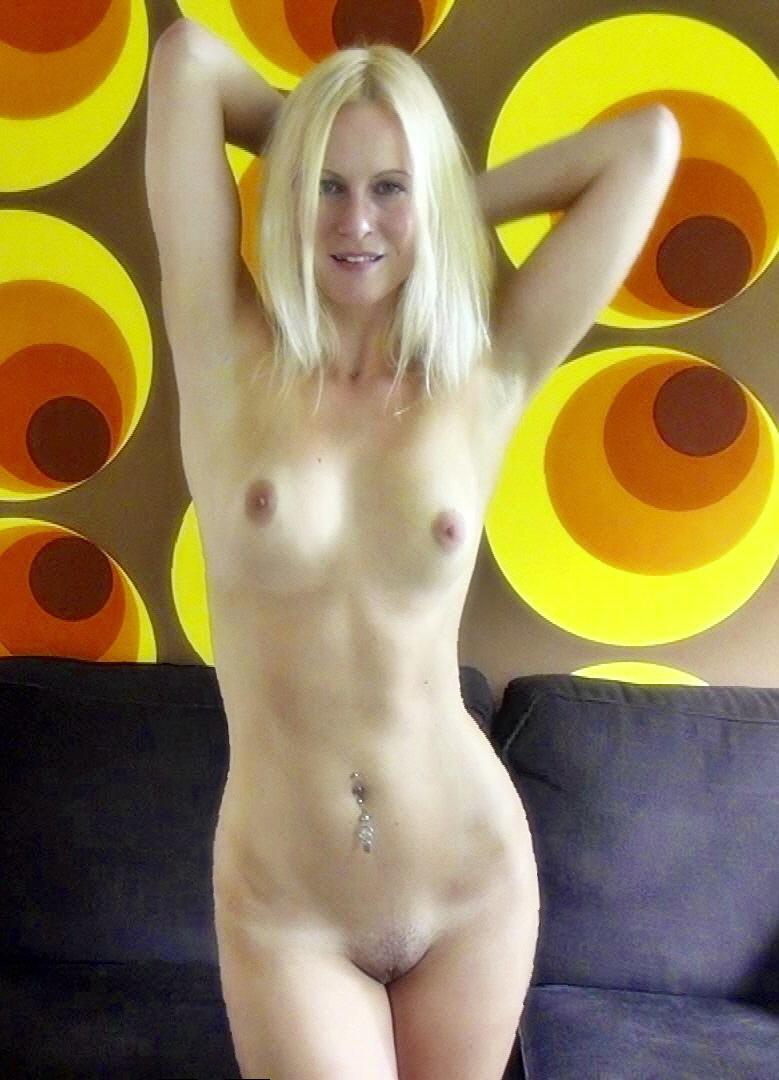 blonde hexe nackt