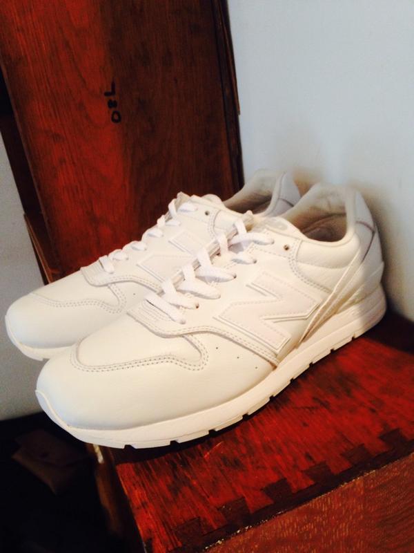 NEW BALANCE MRL996 ¥13,000+TAX-  入荷致しました。  全パーツが白の軽いスニーカーになります。 是非ご覧下さい。 http://t.co/XVN4WdYhQe