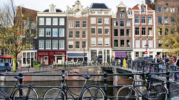Is this city the happiest place to live and work? http://t.co/99x7mu7yEU http://t.co/hYrmj6fIvc