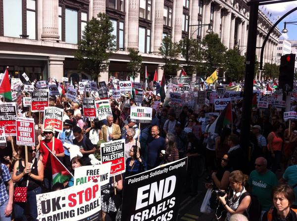 Thought I was near the back of London's giant #Gaza march. But just walked a mile back, still haven't reached the end http://t.co/1Eu9t6sx0k
