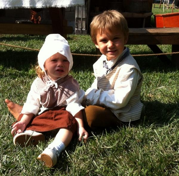 Among Goschenhoppen's younger volunteers R Axle Sell, 4, & Madi Giannotti, 19 mos., who help make chicken & waffles http://t.co/nuXjjskUYI