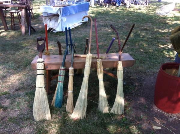 Goschenhoppen Folk Festival is good, clean family fun. Today from 10 to 6. @MercuryX http://t.co/Hsc4sJ98Hj