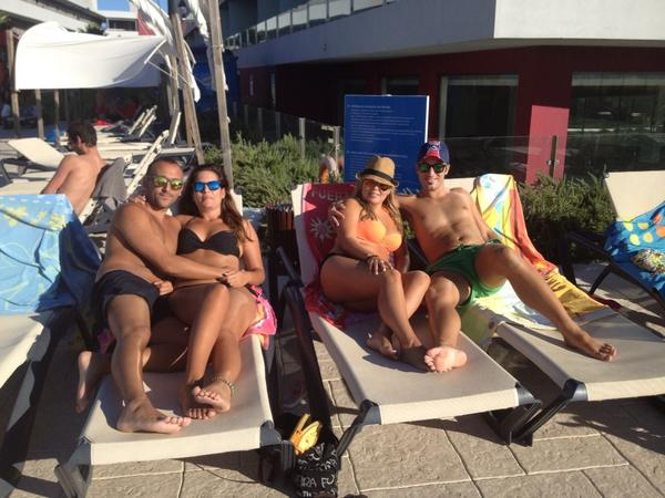 Tarde de piscina algarvenha con @chiquidelaisla @Maryna_aparicio @Javier_regidor