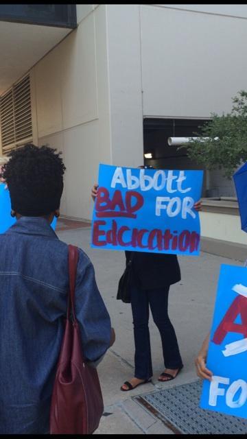 @DLoesch will love this. @WendyDavisTexas supporters protesting @GregAbbott_TX outside #RSG14. #SpellingIsHard http://t.co/6EwEYjyHKf