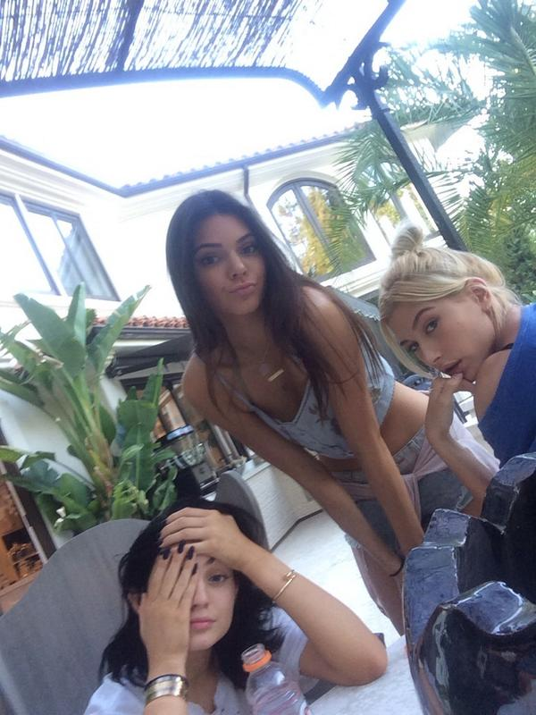 """""""@KylieJenner: Angels man http://t.co/hNSL5q4it5"""""""