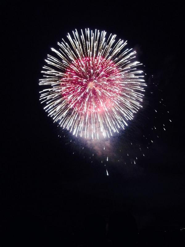 ◇全13カ所一斉花火打上げ!Ustreamにて各会場の花火を生中継します! http://t.co/orYfvsaD7N ◇19:00~東京ミッドタウンキャノピースクエアの巨大ビジョンにてパブリックビューイング開催! #LUN811 http://t.co/l29Ev5VjtR
