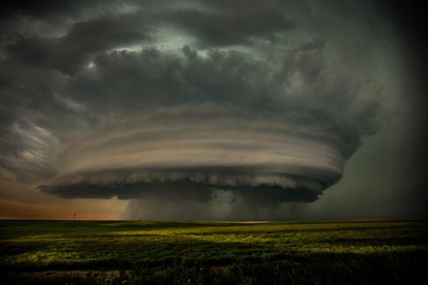 """@500px: ""Epic Saskatchewan Supercell"" by @Dogfan88: http://t.co/2iyL8pVbm5 via @500px #photography http://t.co/RIcKcyywtZ"" wtf!"