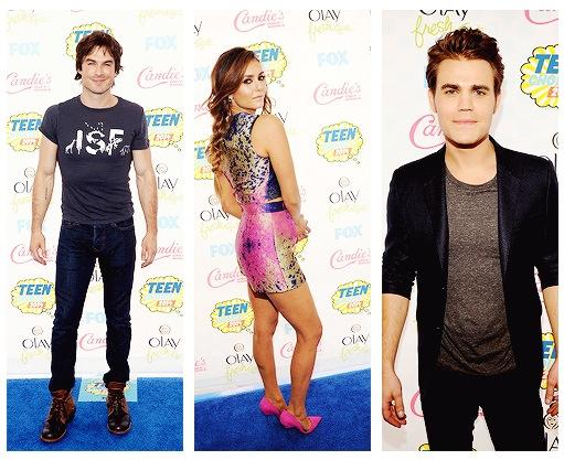 A shot of Ian, Nina and Paul at the TCA's red carpet. http://t.co/Pv3hT3QhFt