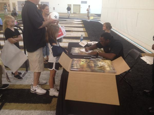 @CoachDerekMason will have to ice down the signing hand after Dore Jam. But loved it! #anchordown http://t.co/beE0zVQsXg