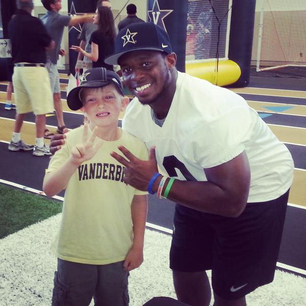 Easton was very excited to meet Seymour at the Dore Jam #AnchorDown http://t.co/YJLdRdy1Hl