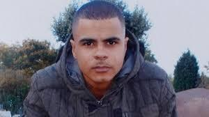 Here's the photo media used after police shot Mark Duggan. And then here's the unedited #IfTheyGunnedMeDown http://t.co/66eVTjaP72