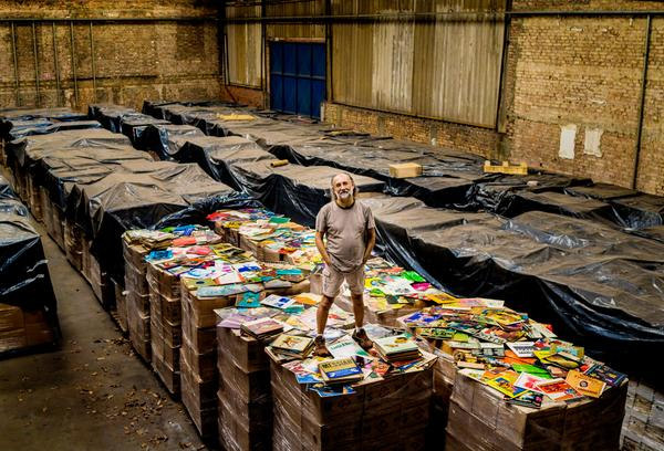 """@nytimes: This man is buying up all the records in the world http://t.co/DI6SZo83u8 http://t.co/RbT0baV99U"" great pic"