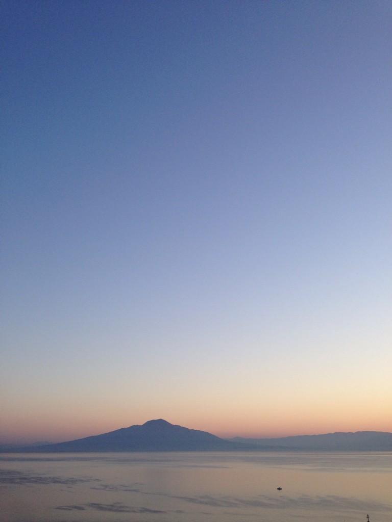 Dawn. Vesuvius. http://t.co/rqrB4BCrpu