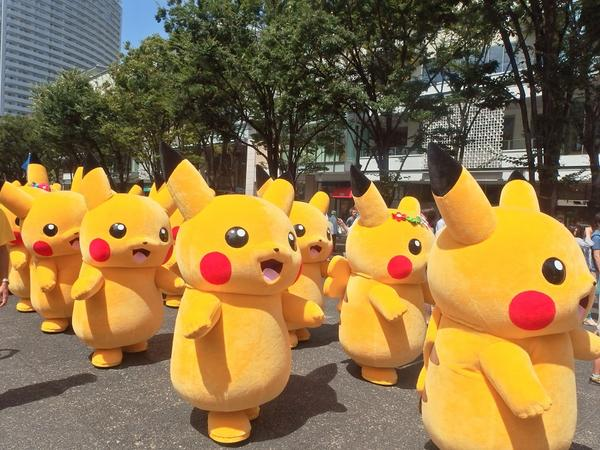 これは、「ピカチュウ大量発生チュウ! at 横浜みなとみらい」のイベントのひとつ!8/9~8/17まで、総勢1,000匹のピカチュウがみなとみらい地区の、あっちこっちに出現するらしい!! http://t.co/7bxydaaLe4 http://t.co/vwe8fkostC