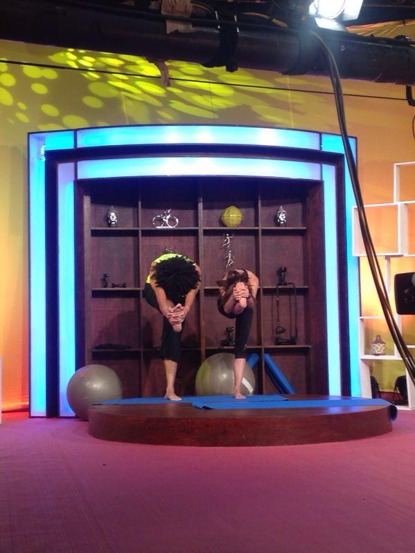 ¡La maestra @MaRiAnNnELa y @fersagreeb en @RitmosonOficial y Aquí Te Levantas, en este momento transmitiéndose! http://t.co/UPJoFzoo5Z