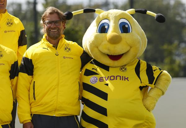 Squawka Football On Twitter Jurgen Klopp Looks Genuinely Chuffed To Be Next To The Club S Mascot At The Official Borussia Dortmund Photocall Http T Co Rpyahmqj8l
