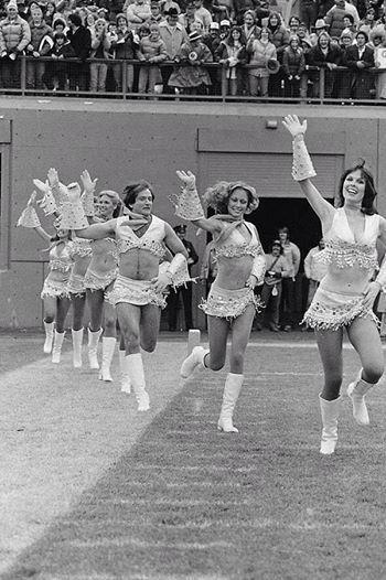 Rest in peace Robin Williams what an amazing lovely hilarious talented human being xxxxx http://t.co/Ajayvowwek
