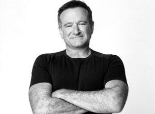 Innalilahi Robin Williams terimakasih untuk membuat kita semua tertawa dan terkagum oleh film nya http://t.co/6AXfPYqOx7