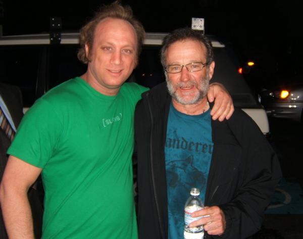 A gracious man.Brilliant&Genius.So many memories and laughs. So glad I got 2 meet him. #NanooNanoo #RobinWilliams http://t.co/olRNuKOjOB