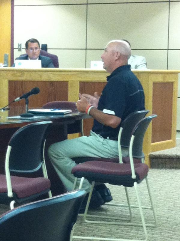 Chris Bayliss presenting proposal for half marathon by Sly fox Track Club. http://t.co/ncUdIJ3icC
