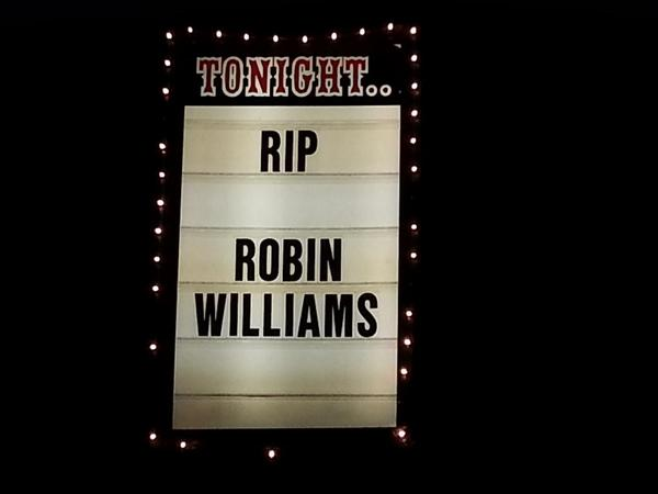 New marquee at The Comedy Store in La Jolla...where Robin Williams got his start (& in LA). @KUSI_News at 10/11 http://t.co/L8VrRASusD
