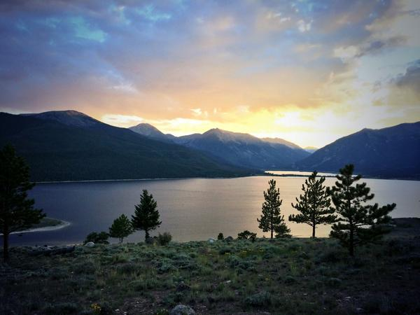 Not a bad place to acclimatize for the #LT100. Good vibes to @sritchie! http://t.co/kWiFLemJST