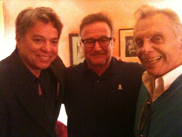 Worked w/ Robin Williams on the same bill just once.So grateful 2 have this pic.f Robin, Mort Sahl & I http://t.co/yOPUPhocou